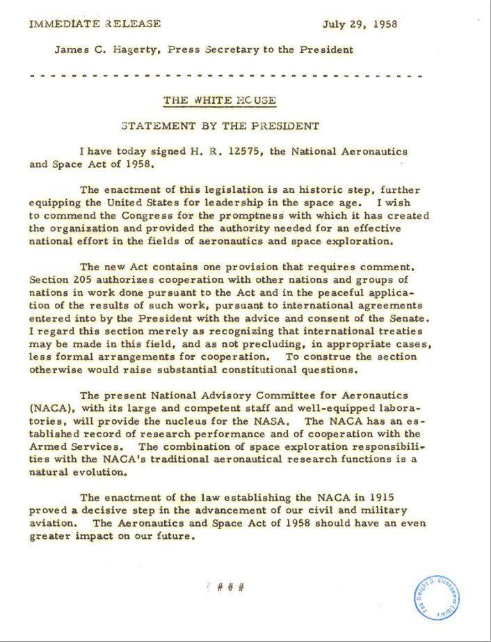 Nota de prensa de la firma del acta de creación de la NASA. 29 Julio 1955.