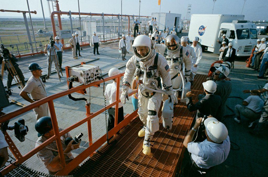 La tripulación del Géminis 4 con sus Omegas Speedmaster