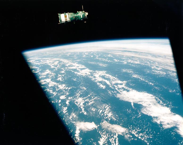 La Soyuz vista desde la Apolo - AST-2-09