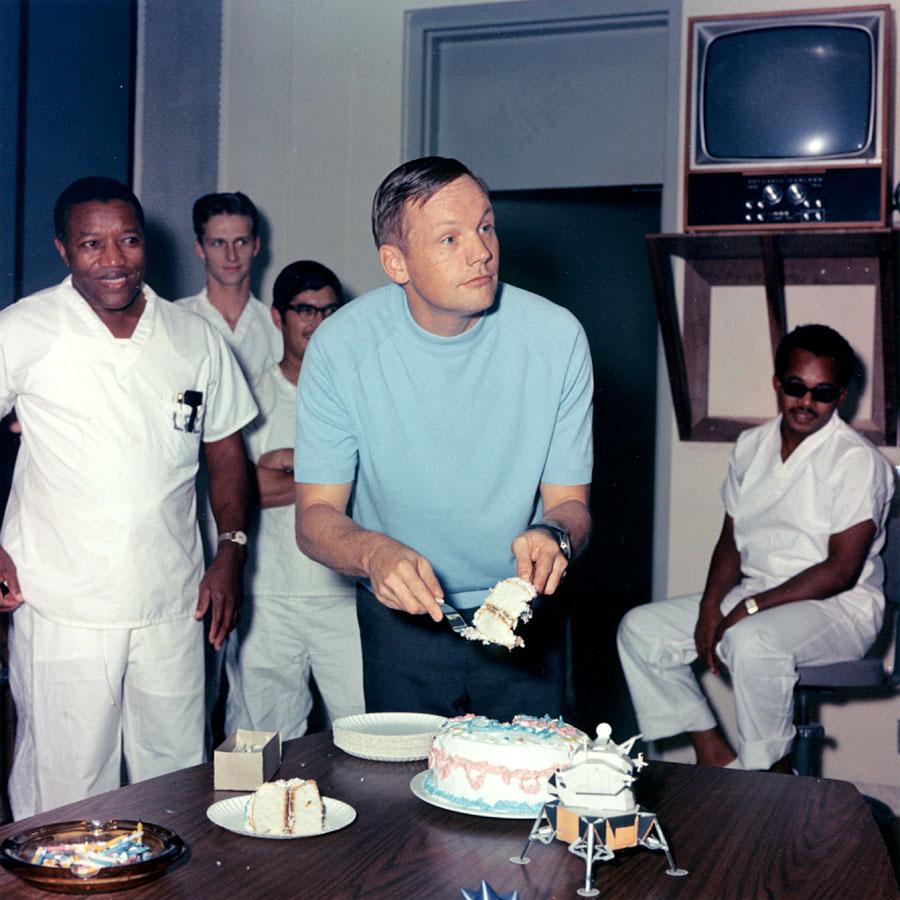 Neil Armstrong celebrando su 39 cumpleaños (Foto: ap11-S69-40958)