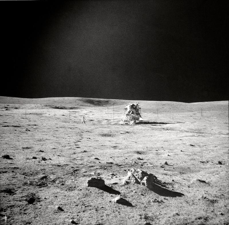 El módulo lunar Antares visto desde la distancia (Apolo 14)