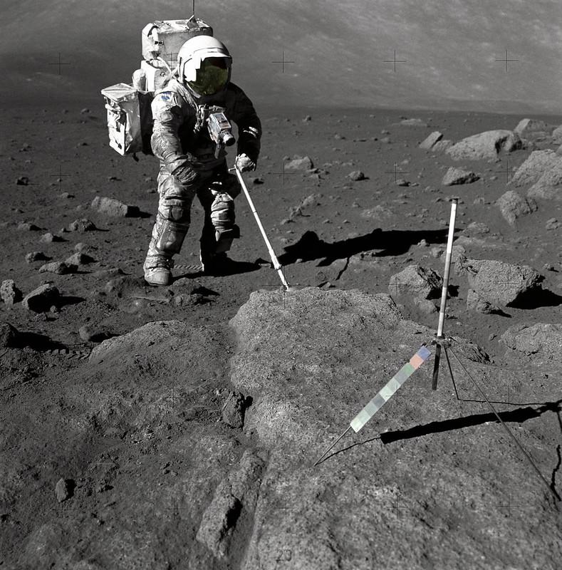 Harrison Schmitt en la Luna (Foto NASA AS17-145-22157)