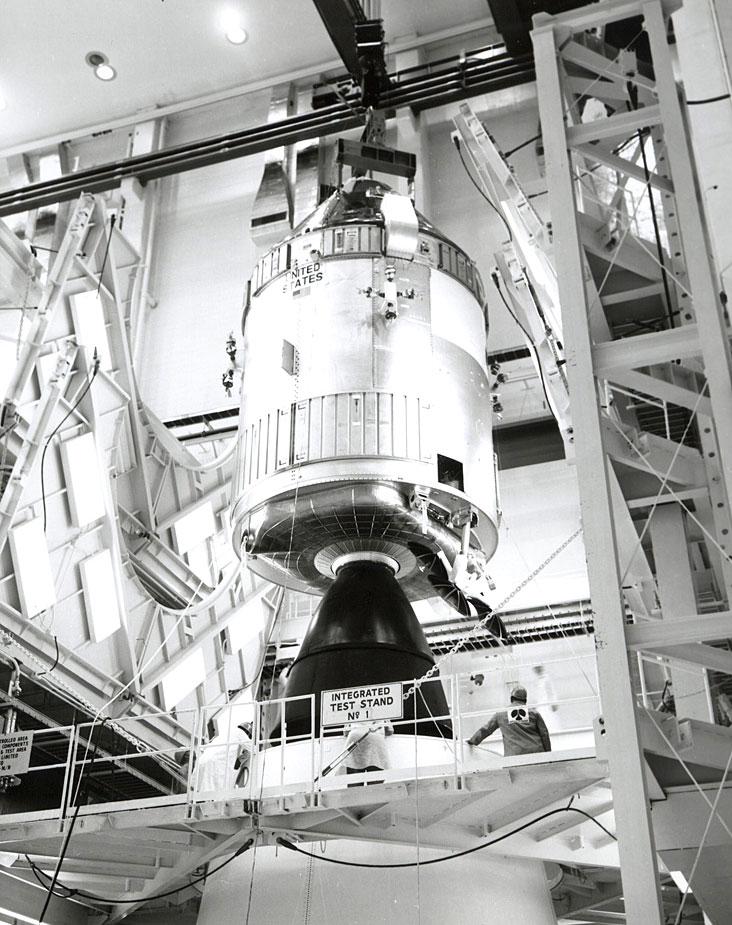 Módulo de mando y servicio Kitty Hawk (Foto NASA AP14-70-H-1410).