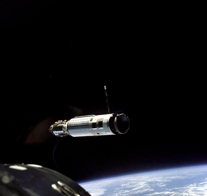 Primer acoplamiento espacial con el Géminis 8 - NASA (S66-25781)
