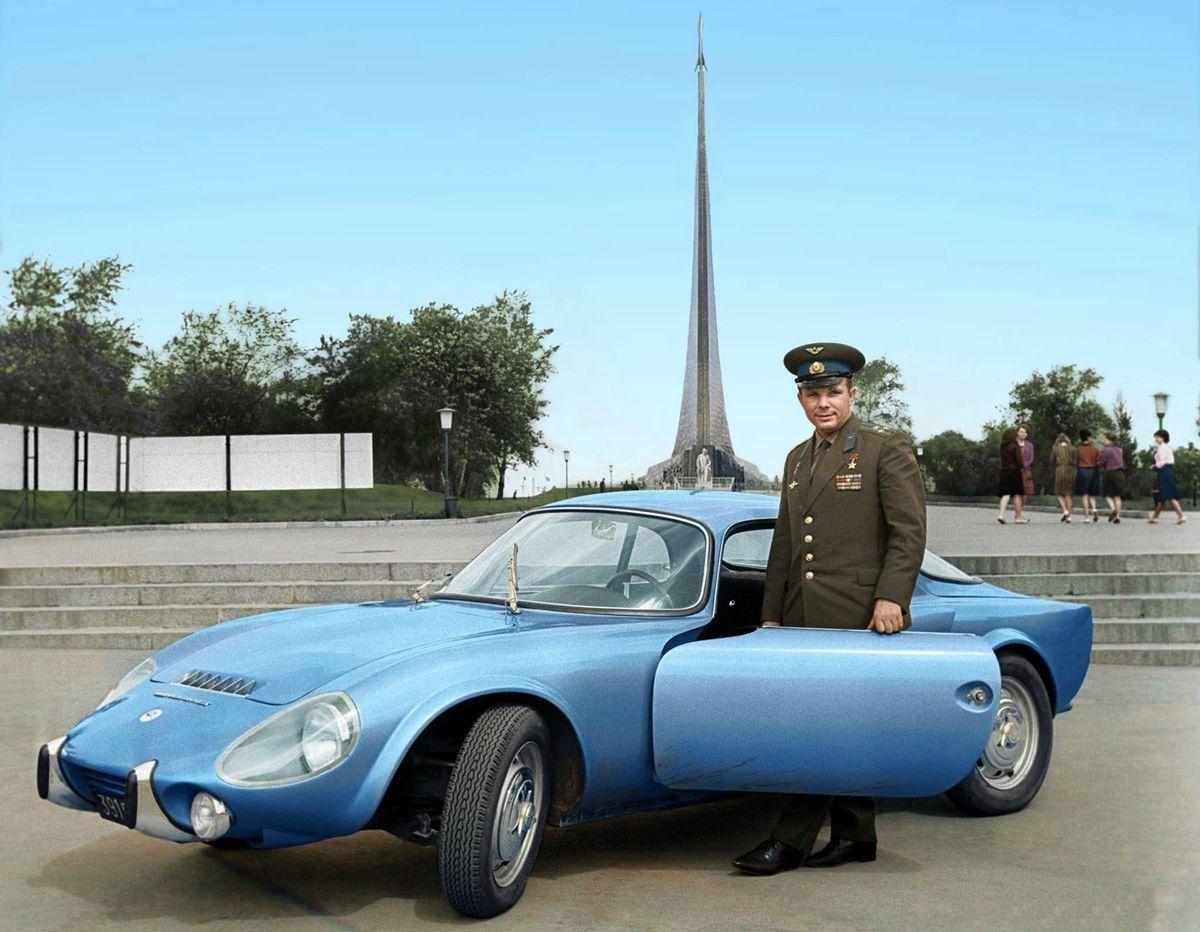 Yuri Gagarin con su Matra Bonnet Djet VS coupe 1965.
