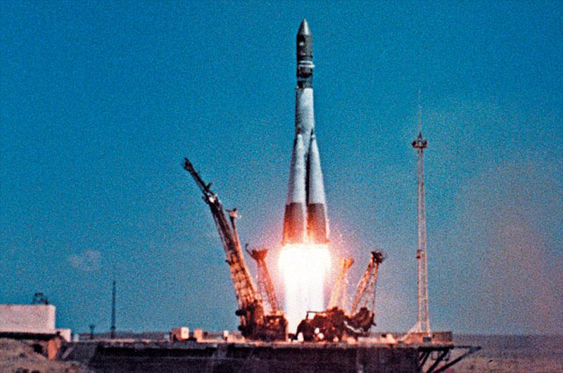 Lanzamiento del Vostok 1 con Yuri Gagarin a bordo.